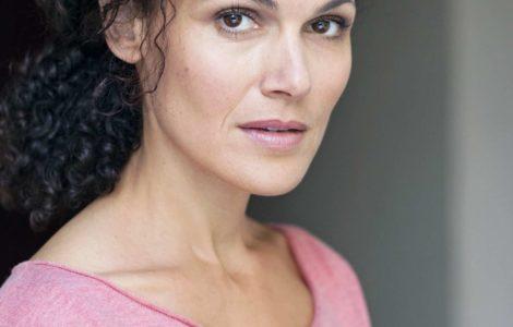 Portrait de la comédienne parisienne Charlotte Boimare