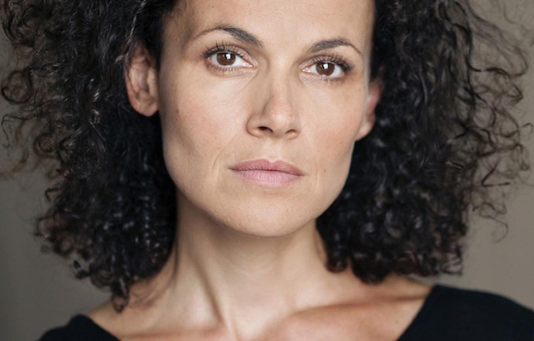 Portrait de la comédienne Charlotte Boimare - Photo Fanny Vambacas